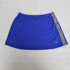 Nike skirt for women.